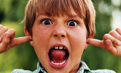Noise-fingers-in-ears-001